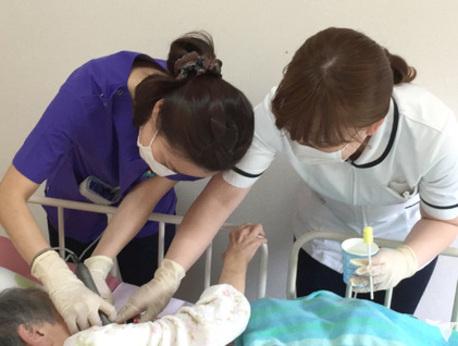 【積極採用中】急速な患者様増加に伴い、歯科往診の歯科衛生士を募集しています! 社会保険完備です!